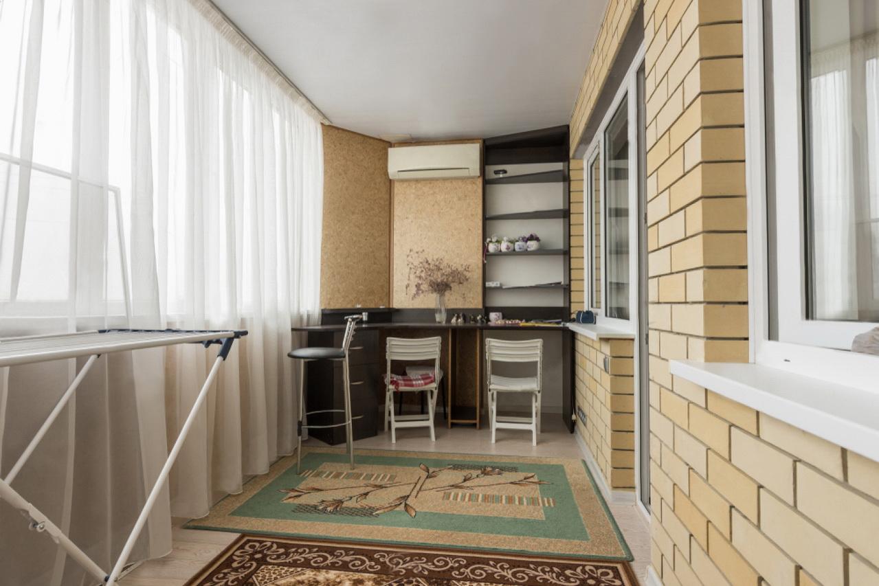 Утепление балконов и лоджий пенофолом в Москве